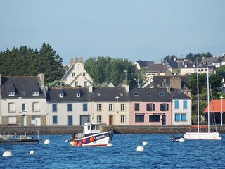 Family home in the heart of Finistère, with an exceptional view of the sea and harbour, WIFI - 10 people - Camaret-sur-Mer vacation rentals