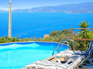 Beautiful, 5-bedroom villa with a swimming pool and panoramic views of the mountains and sea! - Calcatoggio vacation rentals