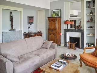 Luxurious, 2-bedroom duplex apartment in classical Saumur city center! - Saumur vacation rentals