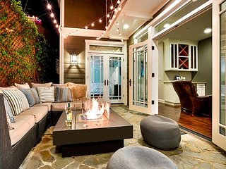 25% OFF OPEN APRIL - Modern Luxury House with Air Conditioning - Newport Beach vacation rentals