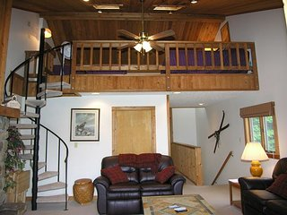 Northwoods B1  Great location with this slopeside condo. - Spring Hill vacation rentals