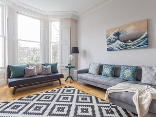 onefinestay - St James's Gardens II private home - London vacation rentals