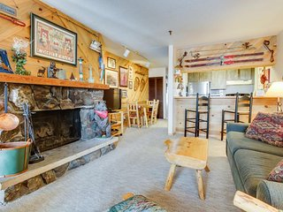 Ski-in/ski-out condo at the base of the Silver Queen lift - shared hot tub! - Crested Butte vacation rentals