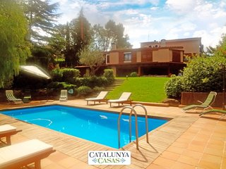 Fabulous country villa in Airesol D, only 25km from Barcelona! - Castellar del Valles vacation rentals