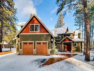3rd Nt Free, NEW SNOW! 12th Manor Estate|3 Masters, Hot Tub, Gm Rm|Slp14 - Cle Elum vacation rentals