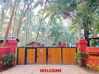 7 bedroom Beach hut with A/C in Harihareshwar - Harihareshwar vacation rentals