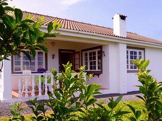 2 bedroom Chalet with Internet Access in Piedade - Piedade vacation rentals