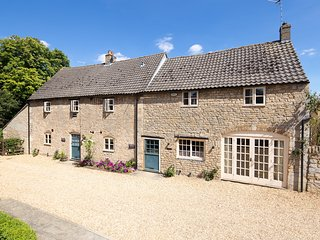 Yew Tree Cottage - Self Catering Holiday Cottage. - Peterborough vacation rentals