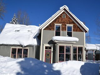 Luxury home in the heart of downtown Crested Butte!  Unparrelled location! - Crested Butte vacation rentals