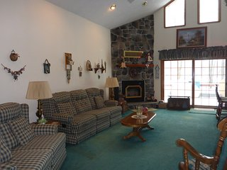 Lovely House with Deck and Internet Access - Thornhurst vacation rentals