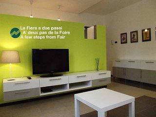 RhoFiera-CimaRhosaHouse - Appartamento Color - Rho vacation rentals