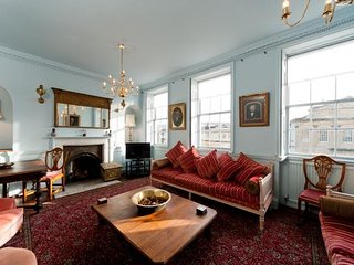 Enchanting & Enormous Bath City Centre House - up to 16ppl - Bath vacation rentals