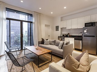 Four Story Midtown Gem ideal for large groups - New York City vacation rentals