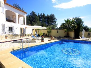 Ground floor luxury apartment with gardens and pool - Parcent vacation rentals