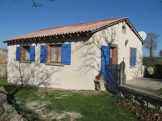Nice Gite with Internet Access and Shared Outdoor Pool - Albi vacation rentals