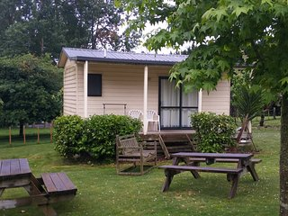 Romantic 1 bedroom Cottage in Hamilton - Hamilton vacation rentals