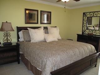 Elegant 1st Floor Beach Condo #101- Emerald Tower - Destin vacation rentals