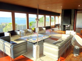 Stunning Views of Lake Geneva, 300 m from 5-star Royal Hotel - Neuvecelle vacation rentals