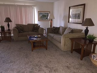 2 Bedroom, 2 Bathroom Vacation Rental in Solana Beach - (DMBC148SS) - Solana Beach vacation rentals