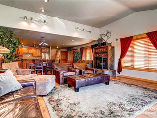 Mainridge Townhomes D by Ski Country Resorts - Breckenridge vacation rentals