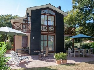 Cozy 2 bedroom Villa in Salles (Gironde) with Internet Access - Salles (Gironde) vacation rentals