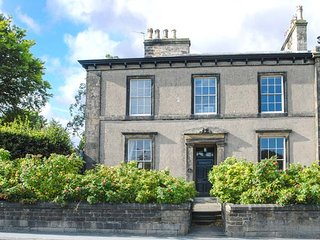 NO 3 SETTLE, Victorian Grade II listed property, beautifully presented - Settle vacation rentals