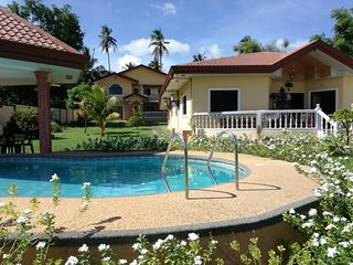 private house and rooms with kitchen internet hot shower big terrace parking are - Dauin vacation rentals