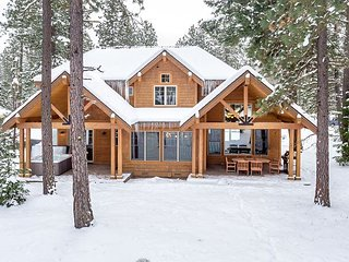 Luxurious Suncadia Retreat on the Course! 5BR | 4.5BA | Hot Tub | Slps 15 - Cle Elum vacation rentals