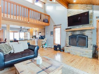 Huge family getaway with 2 fireplaces, grill, loft, & 2 kitchens! Close to ski. - Eagle-Vail vacation rentals