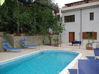 Lovely 2 bedroom House in Massa Lubrense with Internet Access - Massa Lubrense vacation rentals