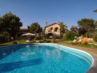 Lovely House with Internet Access and Shared Outdoor Pool - Acquasparta vacation rentals