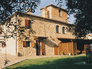 One Bedroom Ground Floor Apartment San Gimignano - San Gimignano vacation rentals