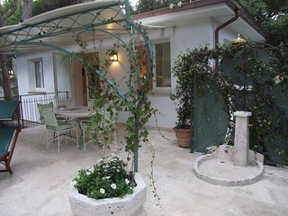 Lovely 1 bedroom Castagneto Carducci House with Internet Access - Castagneto Carducci vacation rentals