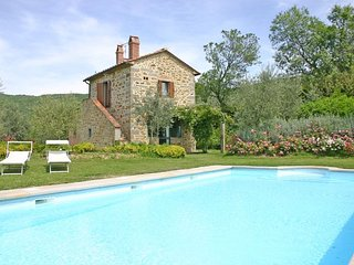 Gorgeous 2 bedroom Castiglion Fiorentino House with Internet Access - Castiglion Fiorentino vacation rentals