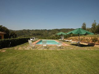 Gorgeous 5 bedroom Monsummano Terme House with Internet Access - Monsummano Terme vacation rentals