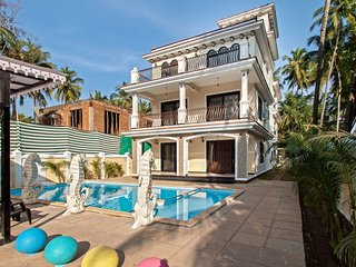9BHK Villa in Calangute with Private swimming pool, kids pool and pergola. - Calangute vacation rentals