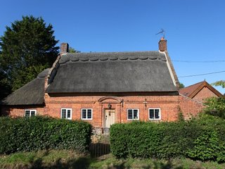 Alderfen Cottage, period feature quirky cottage in the heart of Broadland - Irstead vacation rentals