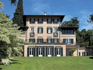 Spacious 8 bedroom Rezzonico Villa with Internet Access - Rezzonico vacation rentals