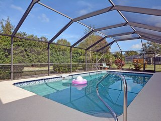 Lovely Pool Home - Minutes to Beach - Fort Pierce vacation rentals