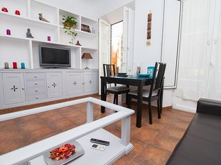 Welcoming & Cosy Flat next to Teatro Cervantes - Malaga vacation rentals
