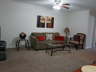 Great Galleria Location, Fully Furnished Apartment - Houston vacation rentals