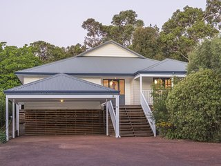 Lovely 4 bedroom House in Dunsborough - Dunsborough vacation rentals