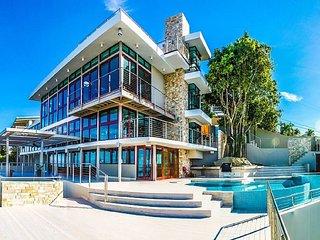 Luxurious Villa at La Roca I - Fajardo Puerto Rico - an Architect Masterpiece - Fajardo vacation rentals
