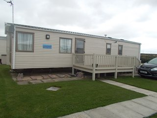 Lovely Caravan/mobile home with Internet Access and Outdoor Dining Area - Towyn vacation rentals