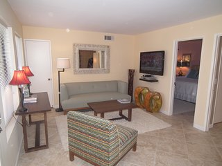 Perfect 1 bedroom Apartment in Palm Springs - Palm Springs vacation rentals