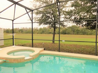 TreefieldRetreat: Only8Bed W/Conservation PrivatePool HugePoolDeck &16SeatDiner - Davenport vacation rentals