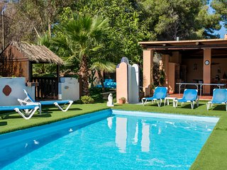 Villa for 10 people, 10 mins to Playa den Bossa. Amazing for families. - Ibiza vacation rentals