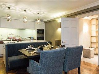 Exquisite Altbau 3BR-WHR Luxus mit Balkon - Munich vacation rentals