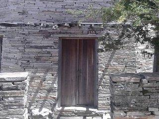 A Casa de Pedra Hostel , venha se hospedar em um octágono de pedra - Sao Thome das Letras vacation rentals