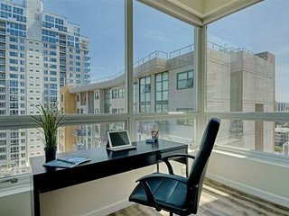 San Diego Downtown High-Rise Condo with safety and Luxury 900 Sq Ft - 2 Beds - Pacific Beach vacation rentals